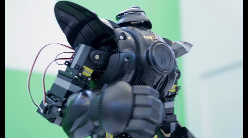 This $1,600 fighting robot toy kicks serious butt